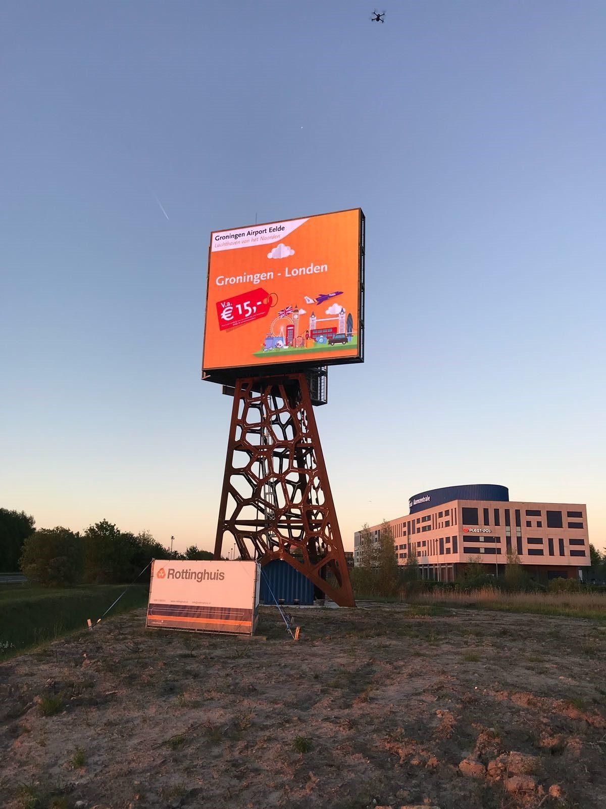 Het College van Rijksadviseurs adviseert: Geen reclame in het landschap