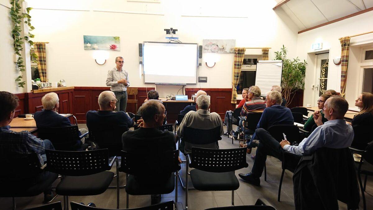 Levendige maandelijkse kennissessies voor lokale energiecoöperaties